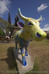 Picture Of A Statue Of A Cow