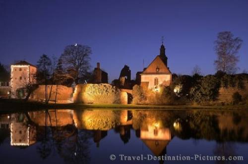 Dreieich Castle Dusk Germany Europe