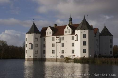 Water Castle Gluecksburg Germany